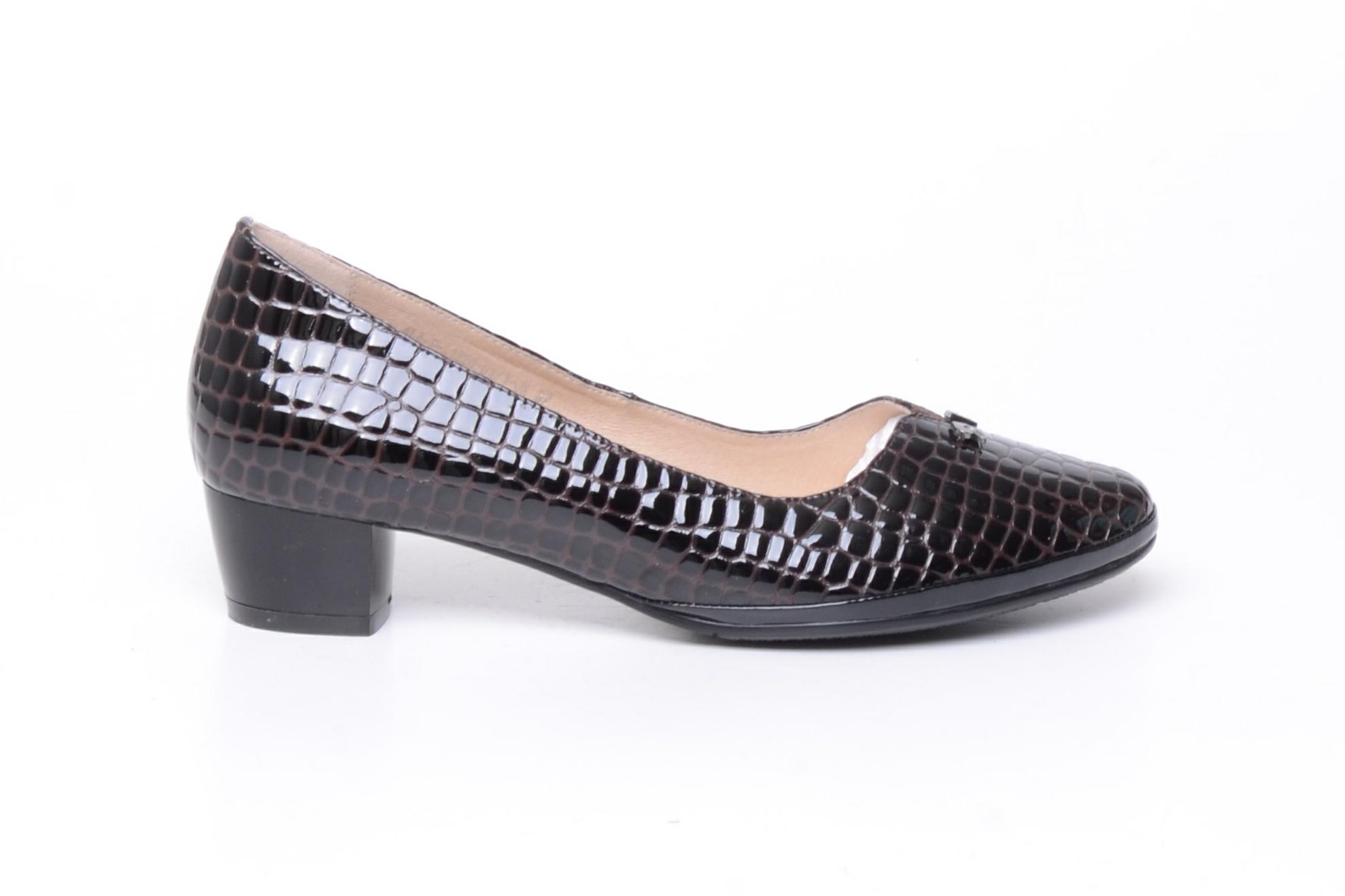 Смотреть туфли на высоком каблуке картинки